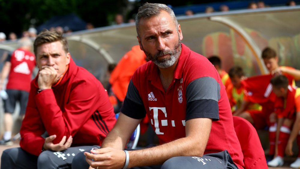 GELSENKIRCHEN, GERMANY - JUNE 11: Head coach Tim Walter of Bayern looks on prior to the B Juniors German Championship Semi Final match between FC Schalke and Bayern Muenchen at Ueckendorf Ground on June 11, 2017 in Gelsenkirchen, Germany. (Photo by Christof Koepsel/Bongarts/Getty Images)